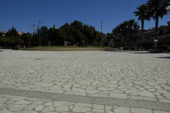 piazza Europa - Muravera (3099 clic)