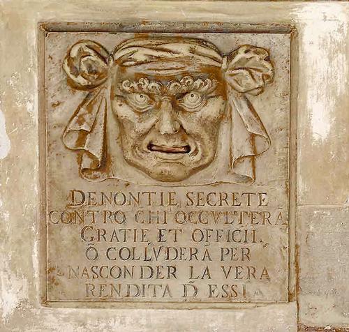 Cartello al Palazzo Ducale. - Venezia (1628 clic)