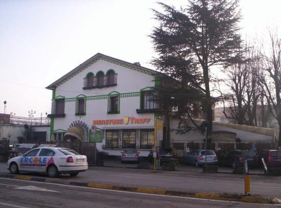 taxi in transito nel viale S.Lazzaro - Vicenza (2097 clic)