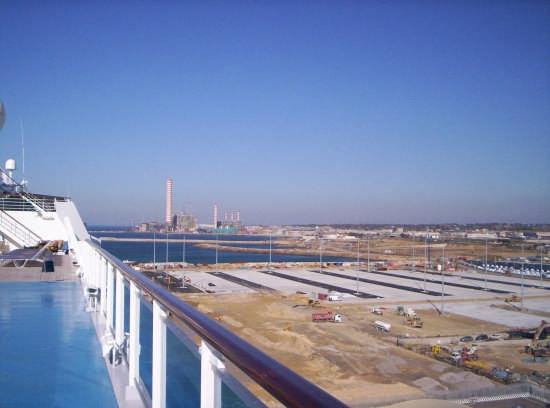 Il porto di Civitavecchia (3666 clic)