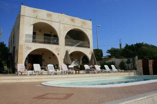 BED AND BREAKFAST CASA ELVIRA. - Le castella (2713 clic)