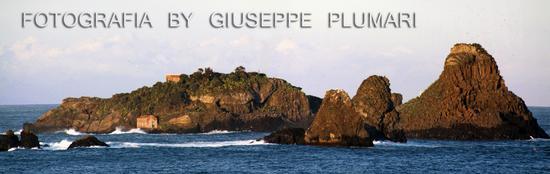 isola lachea con faraglioni - Aci trezza (2172 clic)