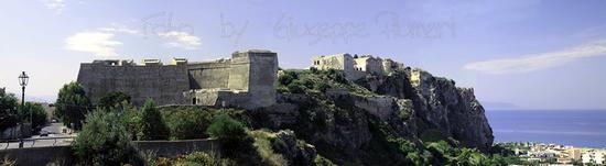 CASTELLO ARABO NORMANNO ARAGONESE SPAGNOLO - Milazzo (2534 clic)