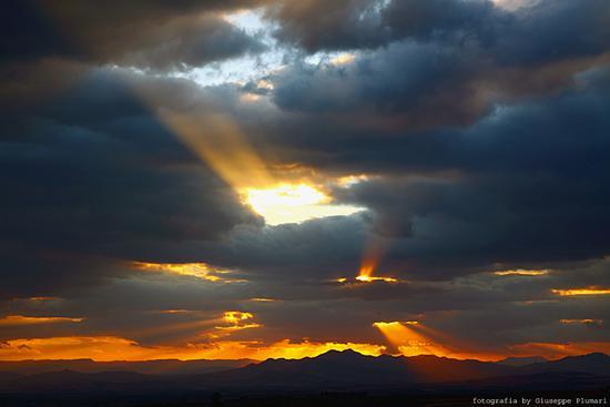 tramonto con nuvole - Motta sant'anastasia (2595 clic)