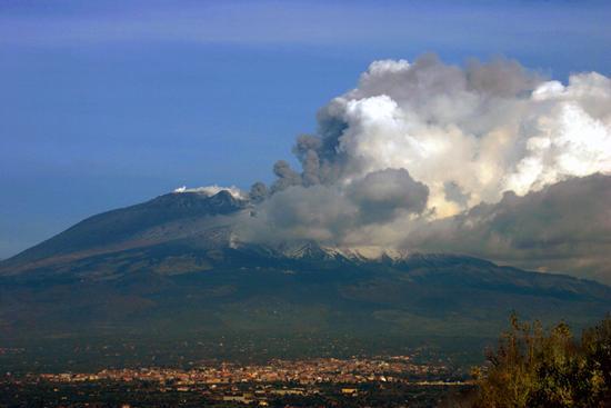 eruzione etna (2766 clic)