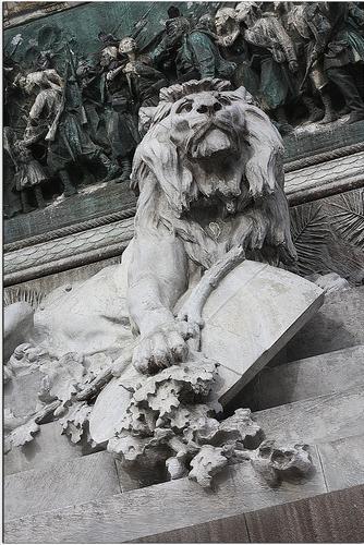 Il Leone in piazza - Milano (3331 clic)