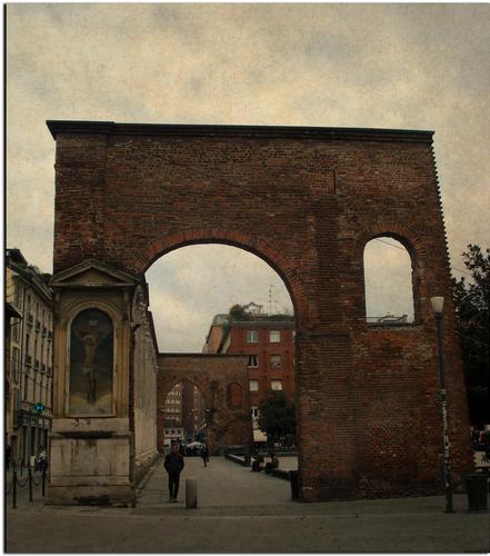 Alle Colonne di San Lorenzo - Milano (1235 clic)