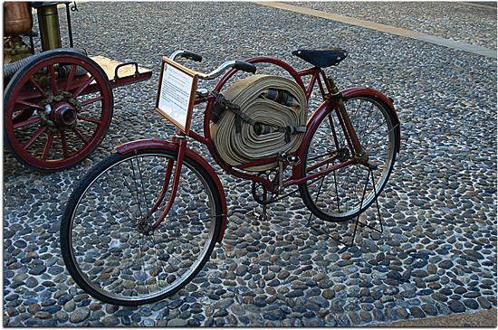 Bicicletta da pompiere 1900 - MILANO - inserita il 27-Dec-12