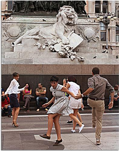 Danza con il Leone - Milano (938 clic)