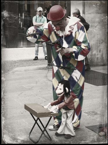 Il Clown marionettista - Milano (816 clic)