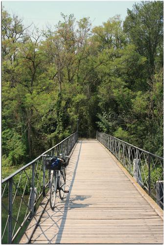 Il ponte che collega Groppello d' Adda a Fara Gera d' Adda - Fara gera d'adda (1564 clic)