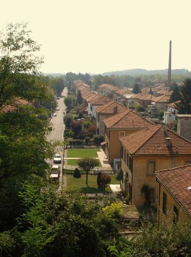 Panoramica sul Villaggio Operaio - Crespi d'adda (1641 clic)