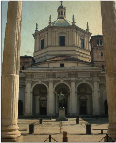 Basilica di San Lorenzo - MILANO - inserita il 28-Mar-12
