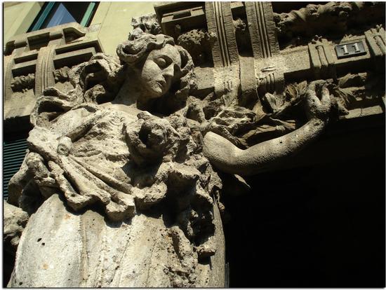 Al n.11 di Via Bellini a Milano (2548 clic)