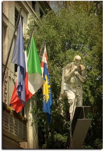 L' Uomo della Luce - Milano (1858 clic)