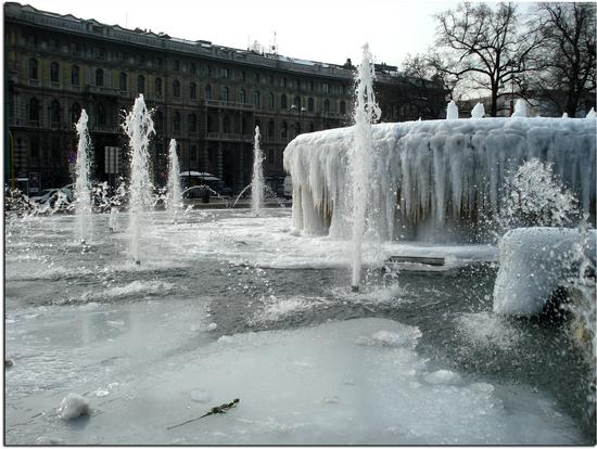 Omaggio al Gelo - Milano (2541 clic)