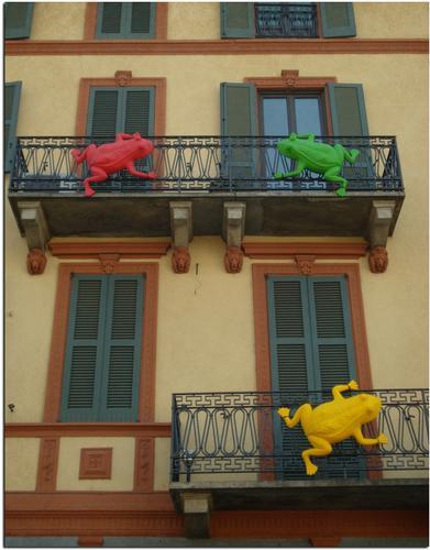 Cracking Art sui Navigli a Milano (716 clic)