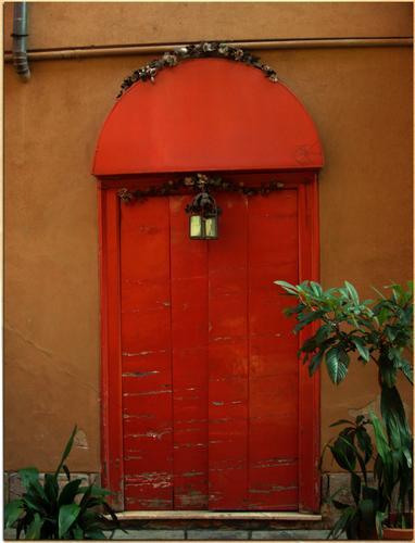 The red door - Milano (1070 clic)