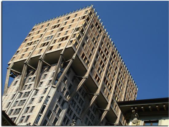 La Torre Velasca - MILANO - inserita il 19-Sep-11