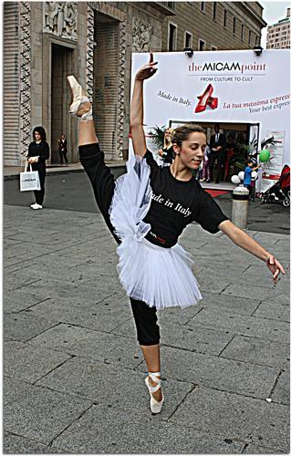 Balla balla ,ballerina..... - Milano (320 clic)