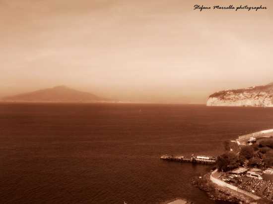 Golfo di Sorrento con Vesuvio (2452 clic)