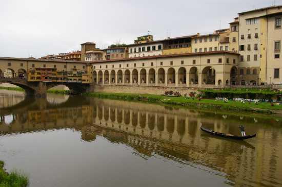 una gondola a Firenze (3019 clic)