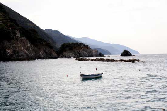 Le Cinque Terre viste da Monterosso - Monterosso al mare (2970 clic)