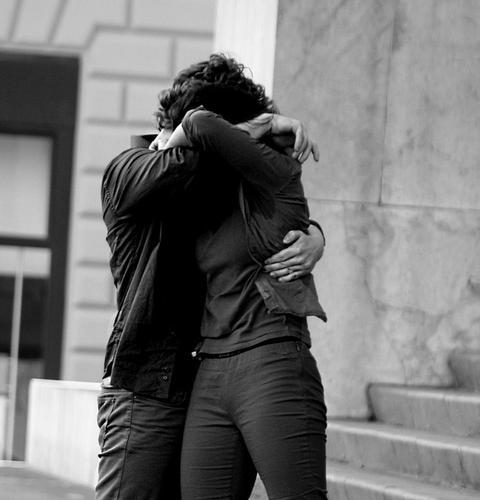hold me - Palermo (2583 clic)