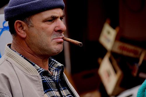 Il sigaro tra le labbra - Palermo (2881 clic)