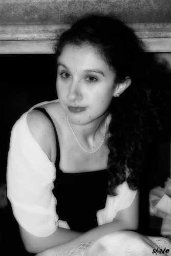 una donna di un altra epoca - Elmas (2538 clic)