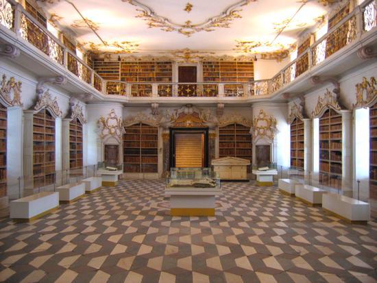 Biblioteca barocca dei Canonici Agostiniani - Novacella (2478 clic)