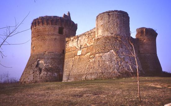 Rocca di Monte Poggiolo - Forlì (4024 clic)