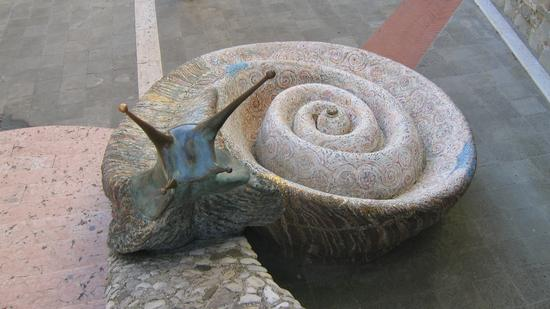 Fontana della lumaca in mosaico - Sant'agata feltria (3387 clic)