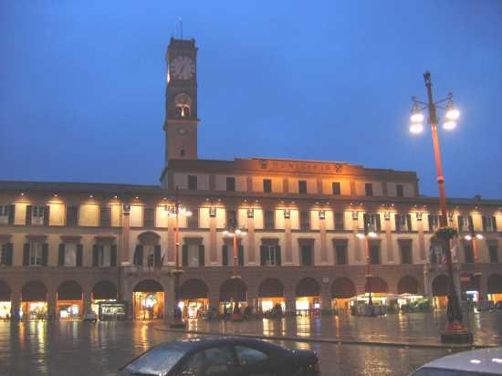 Piazza Saffi  - Forlì (3159 clic)