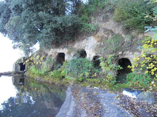 grotte sul lago di bolsena - Marta (3937 clic)