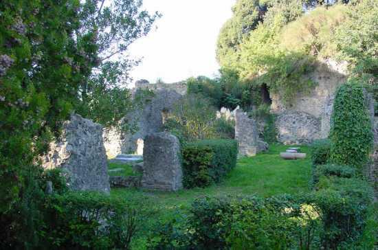 Portico Antonini - Lanuvio (3428 clic)