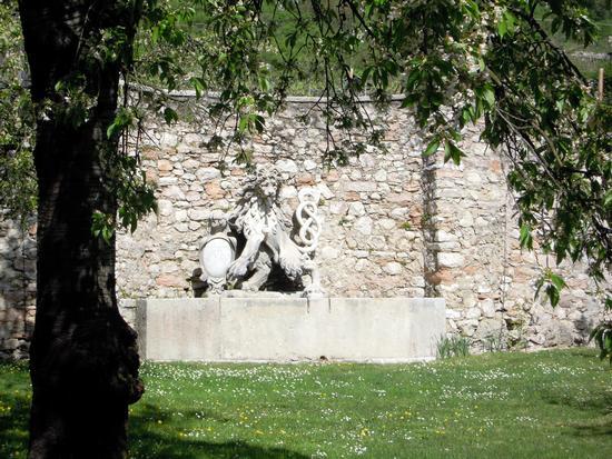 Fontana di Palazzo Lodron - Nogaredo (1541 clic)