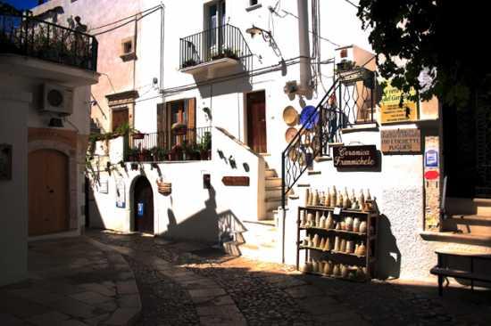 Vicolo - Peschici (2384 clic)
