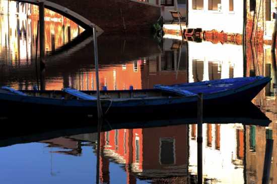Barca in canale - Chioggia (2363 clic)