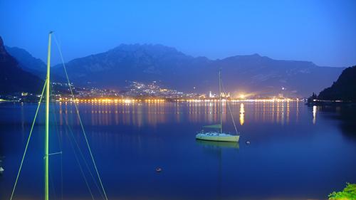 Lecco_Panoramica_Notturna_2009 (2962 clic)