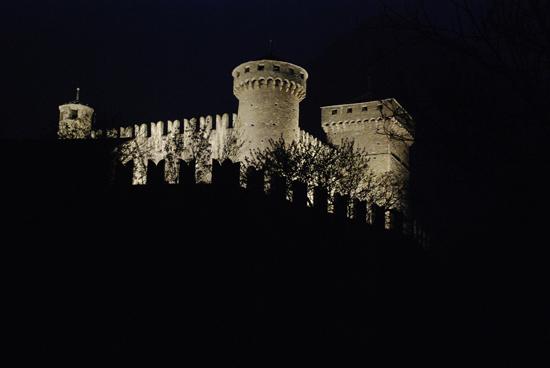 Castello di Fenis - Notturna (4516 clic)