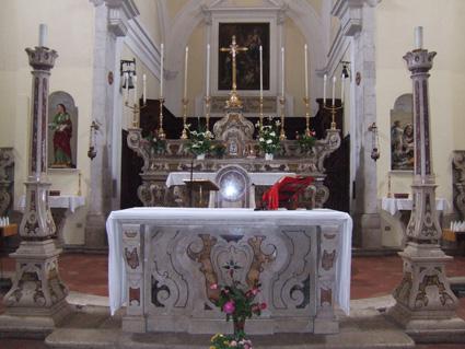 CHIESA DI SAN NICOLA - ALTARE MAGGIORE - Petina (3432 clic)