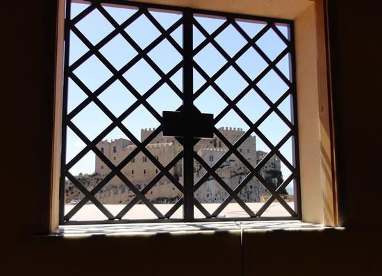 vista del Castello di Caccamo, dall'interno di Case Vacanze Caccamo (1448 clic)