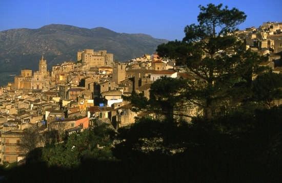 panoramica paese - Caccamo (3540 clic)