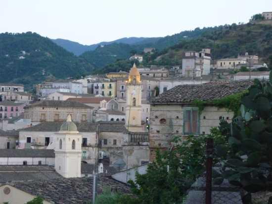 scorcio del centro storico - Rossano (2648 clic)