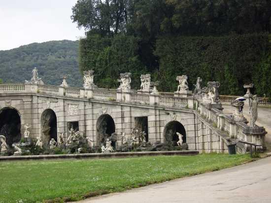 CASERTA - IL PARCO DELLA REGGIA (2557 clic)