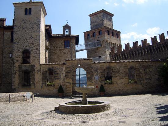 CASTELLO DI VIGOLENO - Vernasca (3986 clic)