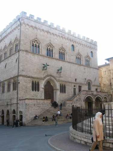 Perugia - Palazzo dei Priori (2474 clic)