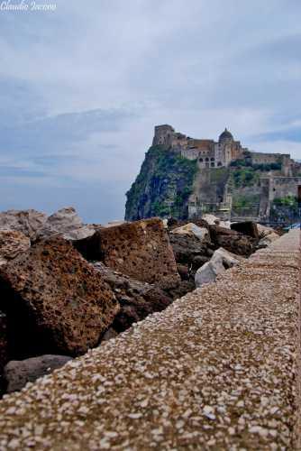 Prospettiva del Castello - Ischia (2305 clic)