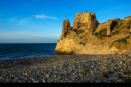 La rocca - Campofelice di roccella (4210 clic)